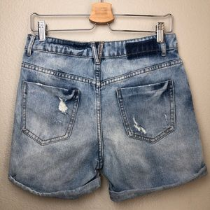 Zara Shorts - ZARA Distressed Denim Shorts in Size 2